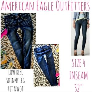 American Eagle Jeans Size 4 Skinny Leg Stretch